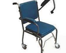 Chaise percée 6