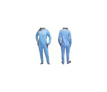 Pyjama avec fermeture éclair dans le dos.